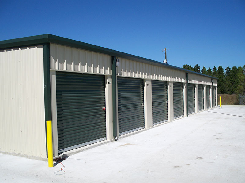 Building self storage sheds 7x7