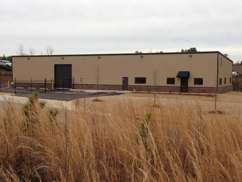 Commercial gallery renegade steel buildings commercial for 12x14 roll up door