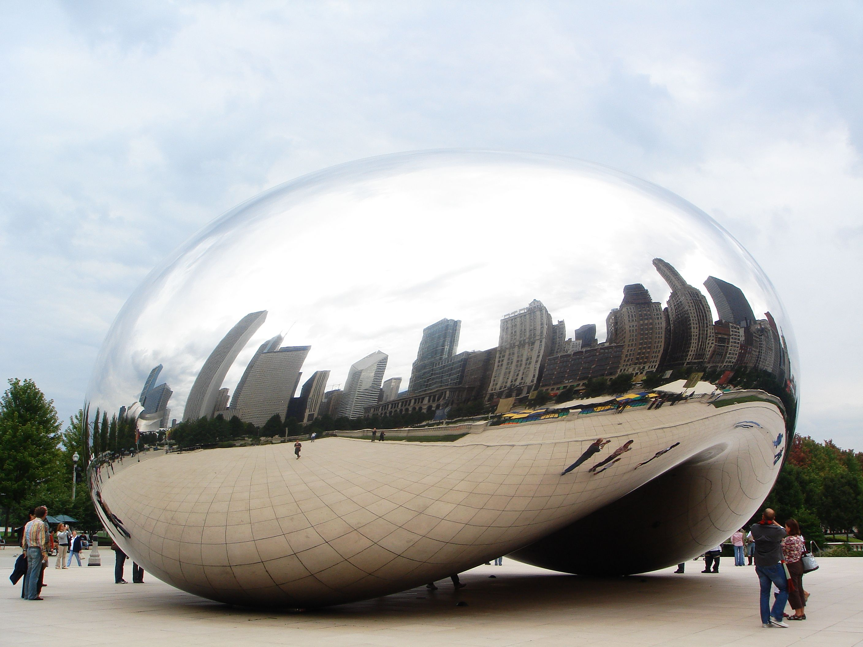 steel art, cloud gate by anish kapoor